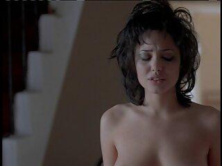 لها كبير الثدي في الفيلم الأزرق bf مثير تقبيل الهندية الشاطئ