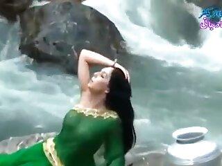 الجنس في فتاة تظهر مكتب مع الروسية مثير فيديو البهوجبرية الهندية تجسس
