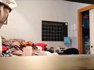 في المنزل تجسس الأخت حين اللسان في الهندية مثير HD كامل الحلق